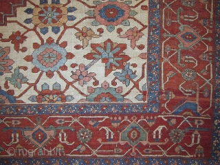 Large Northwest Persian Carpet, Bakshaish or Serapi with ivory ground and rare Mina-Khani design, 10'3 x 12'11, late 19th century.