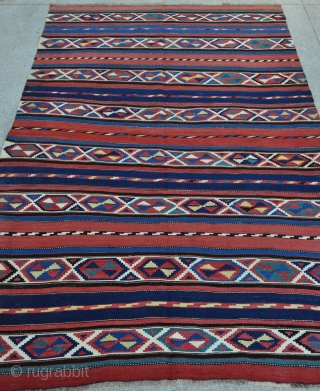 Fine Caucasian Shirvan kilim in very good condition with Great colors, 5'7 x 8'4 ft. - 169 x 253 cm.