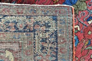 Antique Persian Sarouk rug - 4'5 x 6'8 ft. - 145 x 203 cm.