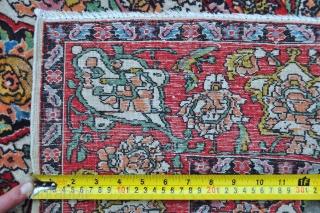 Antique Isfahan rug - 4'0 x 6'0 ft. -122 x 183 cm.
