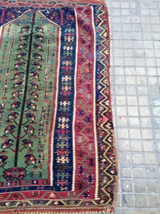 Anatolian. Kilim  Prayer very beautiful  colors and very fine 150 years old  Good condition  size. 140x105