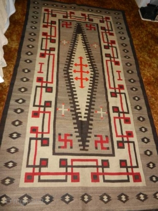 """Very nice 1900's to 1920's Navajo rug measuring 4'2""""x 7'6"""" mint condition.  Thanks for looking."""