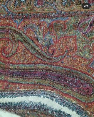 Beautiful antique kashmir shawl in excellent condition. Fine colours.