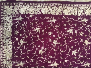 Vintage Parsi gara sari from Surat Gujrat India in mint wearable condition . The size of the sari is 530 cm X 120 cm