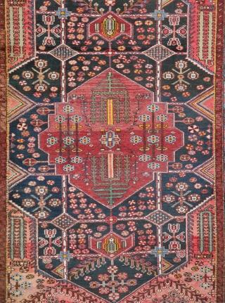 Beautiful early 1930s Bahtiari (Chahar Mahal, 200 x 129 cm) Very reasonably priced