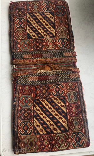 one of the smallest and best antique Bijar reverse bagface in the world;48.5x20,5 cm(both),each one23x20,5 cm,.its more than 120 years old.very rare design.%100 naturall colors and almost in perfect condition.shipment from Germany-Munich,pls  ...
