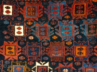 Pair afshar khorjin with splendid pattern ,sharp colors , excellent condition,   50 years old Por