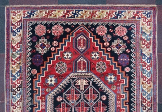 Antique Shirvan rug wonderful colors and excellent condition all original size 2,00x1,26 cm ( 50x79 inches )  Circa 1900