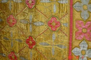 Erly 19e century silk textile fragment 275cm x 108cm pazyryk antique