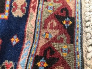 Caucasian carpet: 110 X 155 cm. Circa 1920-1930