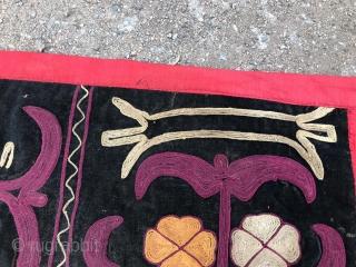The Kyrgyz,tuskiiz (animal motive) silk , velvet, 60х75, 1900