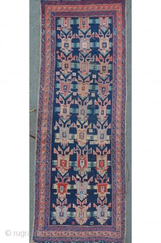 """Antique caucasian (Gendje?) carpet with """"Turtle"""" field. 295 x 108 cm, original condition."""