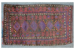 Baluch bag, front and back side, 89 x 53 cm, ca. 1930, meaty floor with shiny wool.