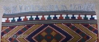 Antique Swedish kilim(Rolakan technique), no: 290, size: 107*59cm.