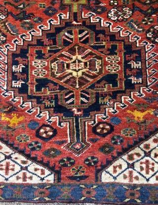 Qhasgai Small carpet but it's edge winding is cut. Size 160x95cm