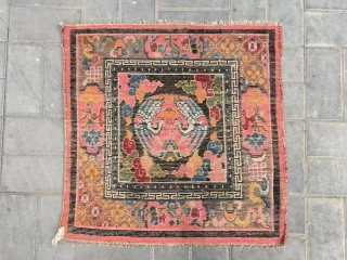 """Tibet rug, group crane with lucky cloud pattern, around with Buddha eight treasure. Good age, size 90*90cm(35*35"""""""