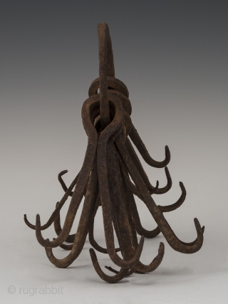 Ring of double hooks,